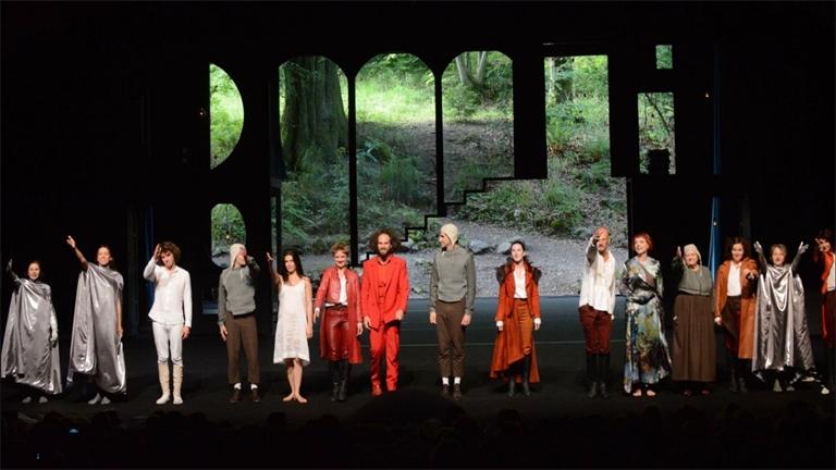 Nouvelle saison d'été dans un théâtre unique au décor naturel !